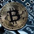 Bitcoin: Kurs muss wieder mal ordentlich Federn lassen (Bild: Geralt auf Pixabay)